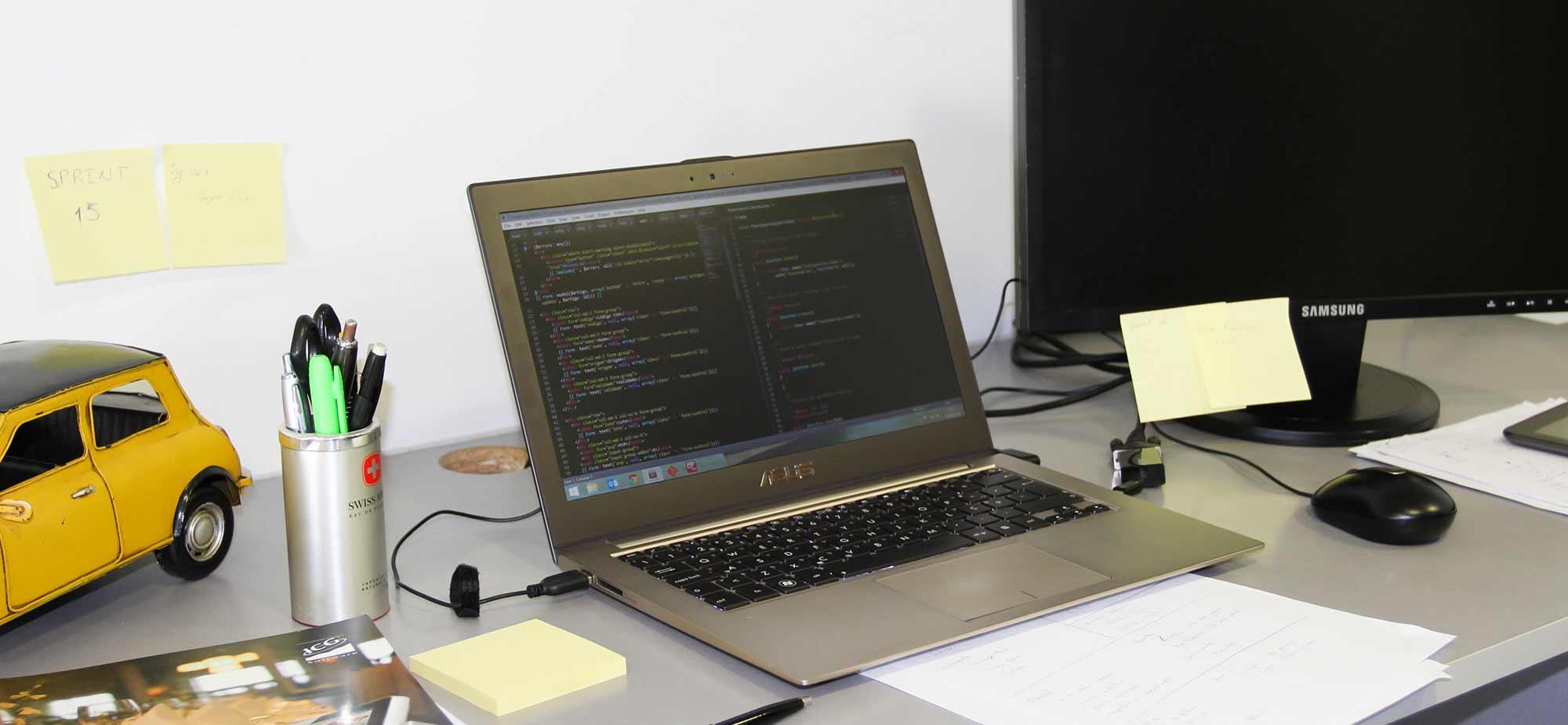 Área de desenvolvimento de software e web